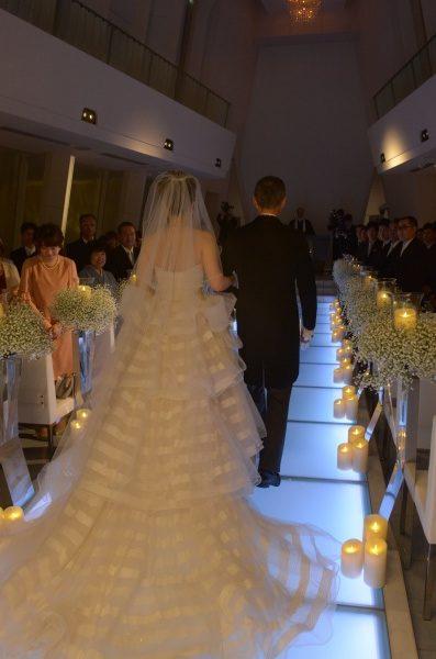 大切な人と歩む一歩…【結婚式をする前に知っておきたいバージンロードに込められた意味】