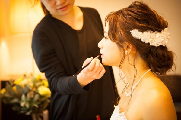 【3つのポイントで仕上げる花嫁メイク♡】360度どこから見られても完璧な花嫁さんになるために…!