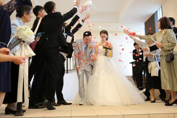 【定番のアフターセレモニー】2人らしさ、オリジナルティ・・・先輩花嫁に学ぶゲストも楽しいセレモニーって何がある?
