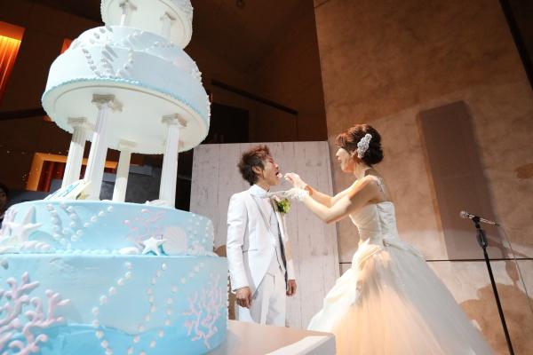 披露宴のシャッターチャンス♡【ケーキ入刀&ファーストバイトで素敵な写真を残す為のポイントとは?】