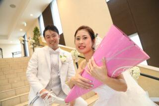 【ウェディングレポート】笑顔溢れる1日~おふたりらしいアイテム&演出が詰め込まれたご結婚式をご紹介します♡挙式編