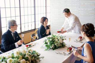 【お母さまのお悩みを解決☆】結婚式にふさわしい服装とヘアスタイルのマナー♪